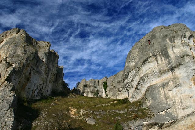 climbing-3-1403668-639x426
