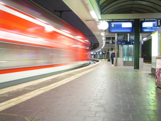 leaving-berlin-1524298-640x480