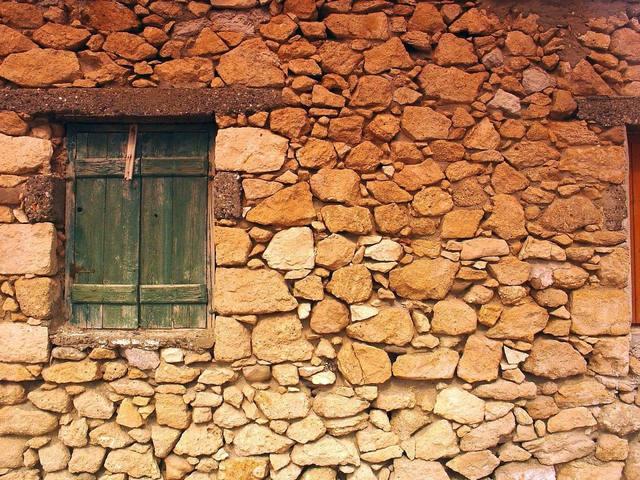 wall-1513713-640x480