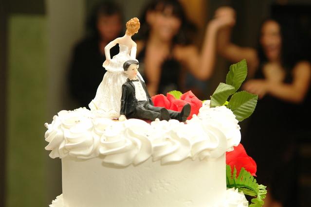 wedding-cake-1-1319359-639x426