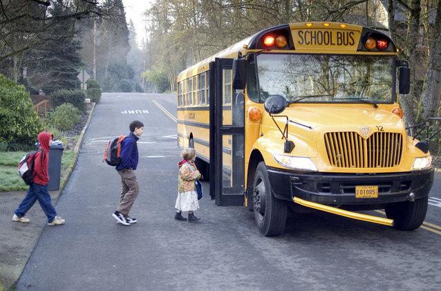 school-bus-1525654-638x421